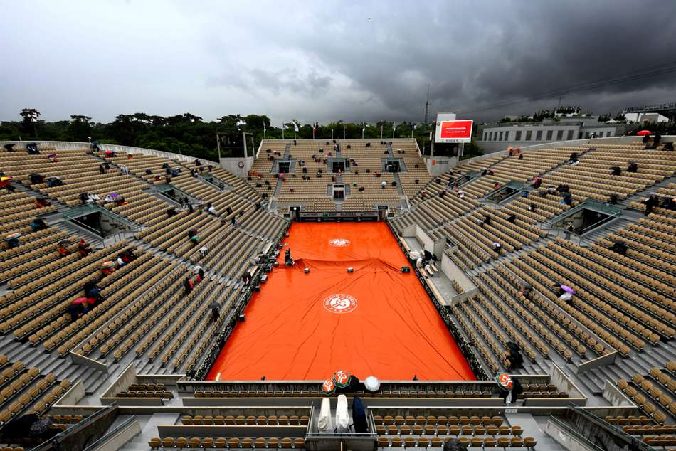 French Open capacity reduced to 5,000 per day amid coronavirus spike