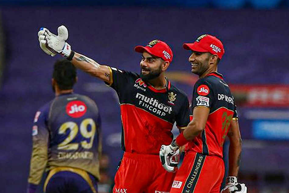 IPL 2020: RCB coach Mike Hesson reveals why Gurkeerat Singh was promoted ahead of Virat Kohli