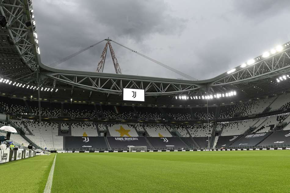 Juventus May Be Awarded Serie A Win After Napoli Refuse To Travel