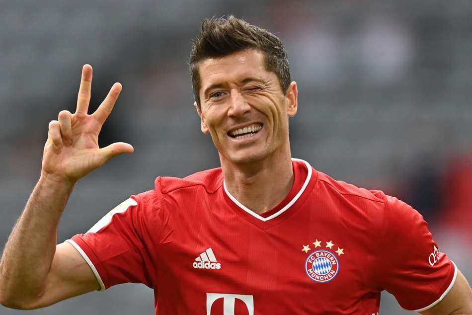 Bayern Munich 5-0 Frankfurt: Lewandowski hat-trick and Sane stunner clinch resounding Bundesliga win