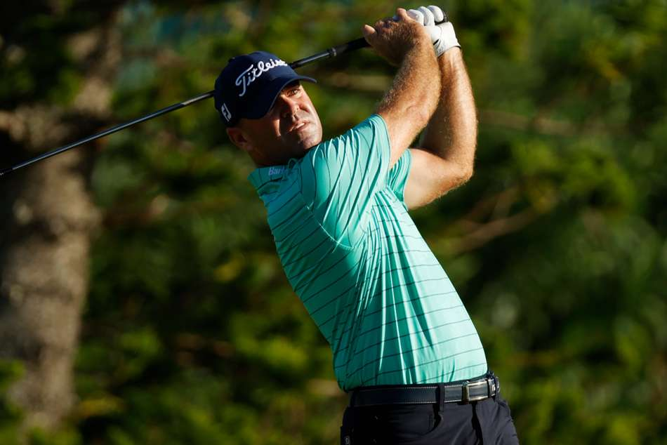 Armour, Clark share lead at Bermuda Championship