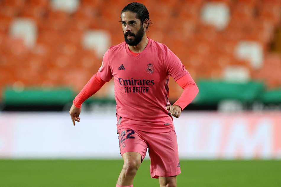 Rumour Has It: Arsenal want Madrid's Isco as Barcelona, Liverpool eye defender
