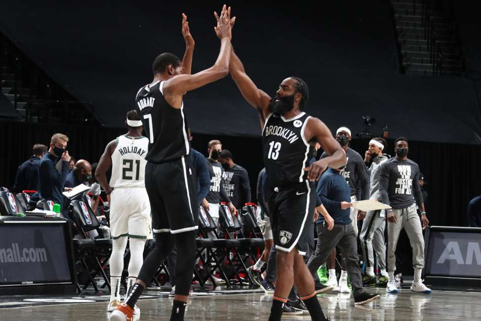 Harden and Durant see Nets past Bucks, Warriors end Lakers' winning streak