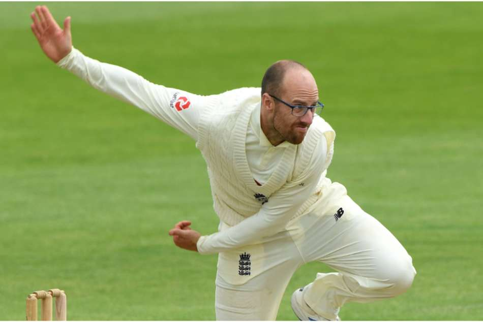 Leach leaves Sri Lanka in a spin before late England wobble