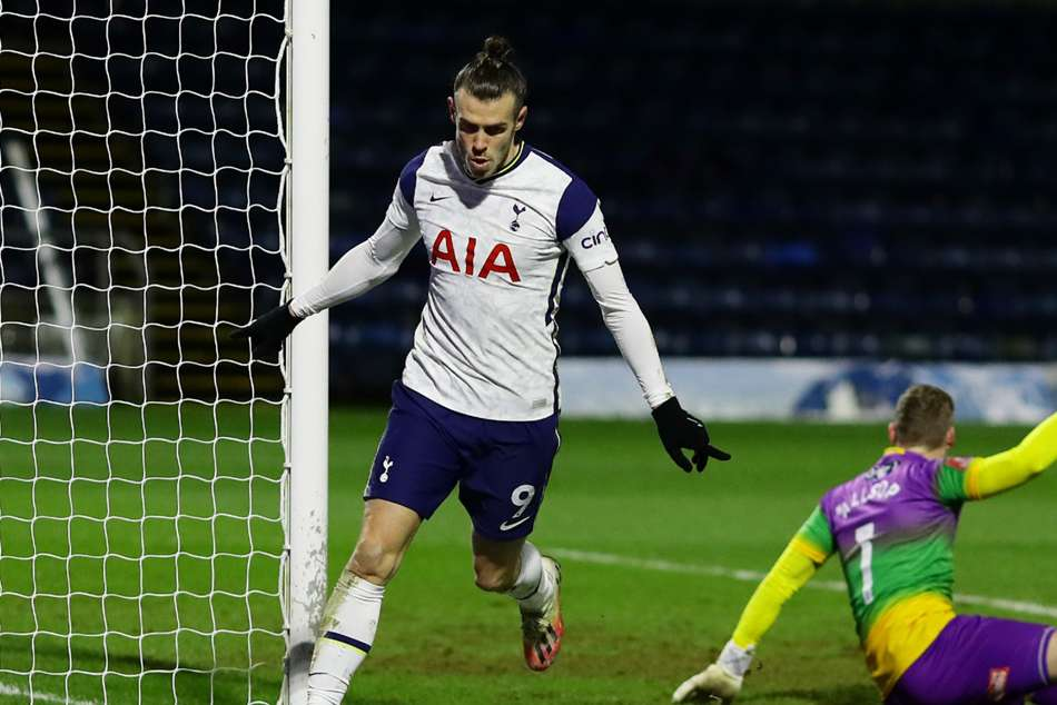 Wycombe Wanderers 1-4 Tottenham: Bale, Winks and Ndombele see Mourinho's  men through cup scare - myKhel