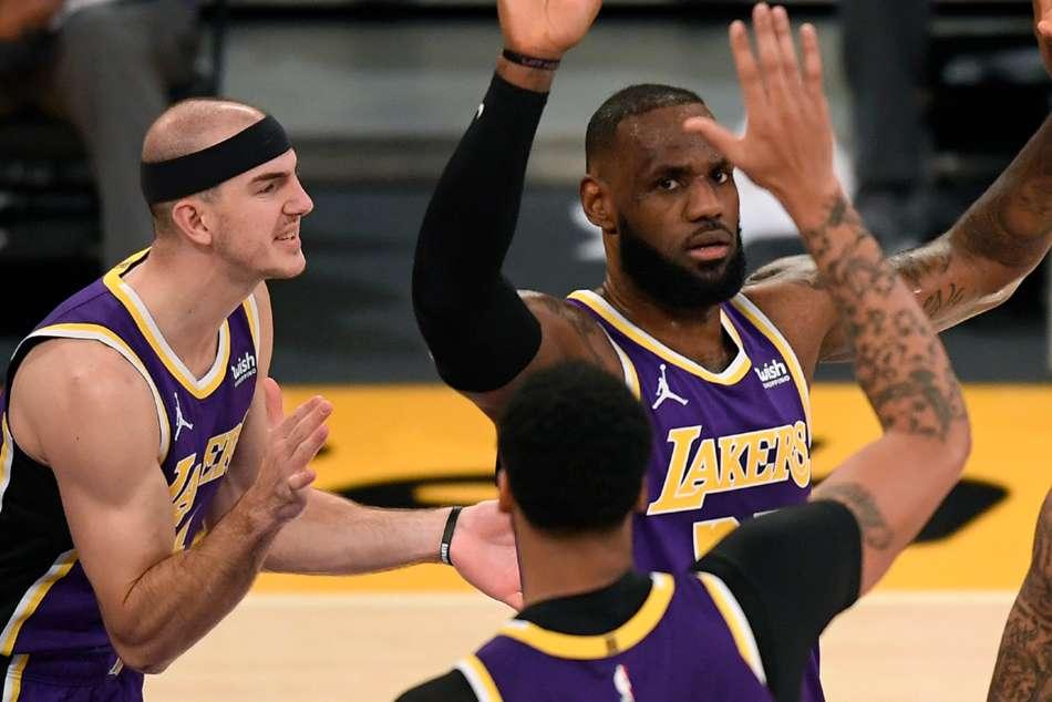 Lakers cruise as Bucks, Celtics extend winning streaks