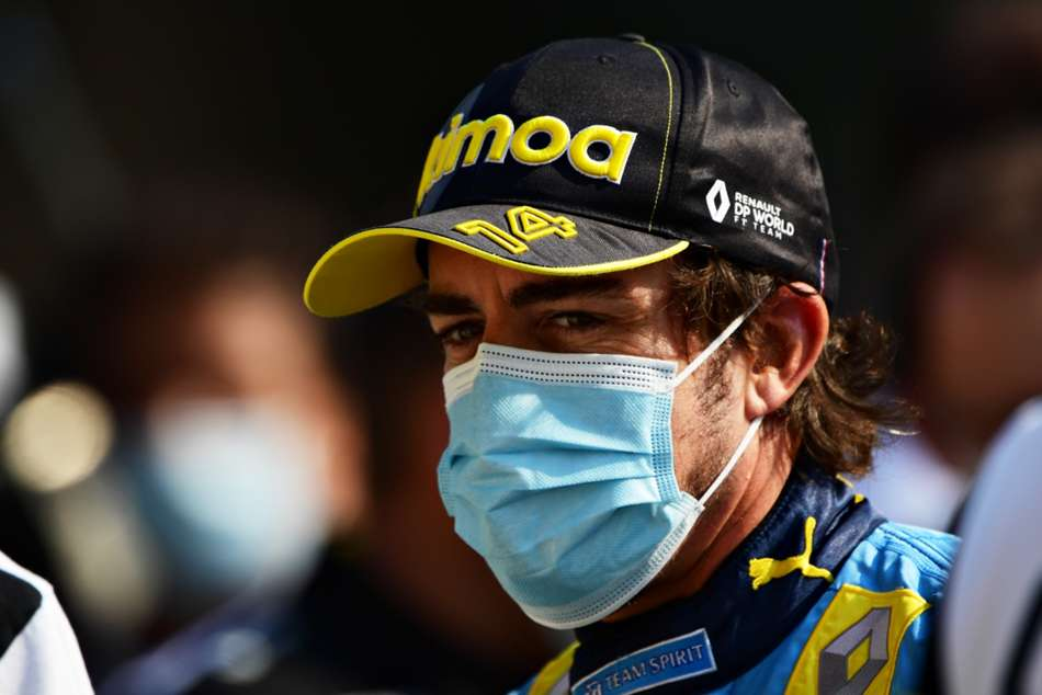 Fernando Alonso Surgery On Fractured Jaw Ready For New F1 Season