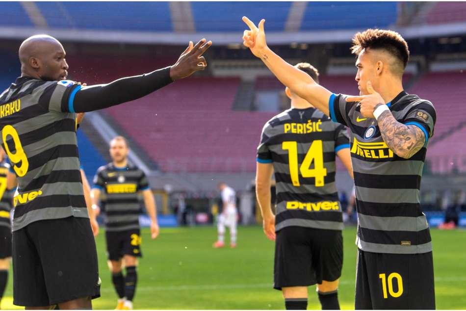 Inter 3-0 Genoa: Lukaku & Sanchez keep Serie A leaders on course