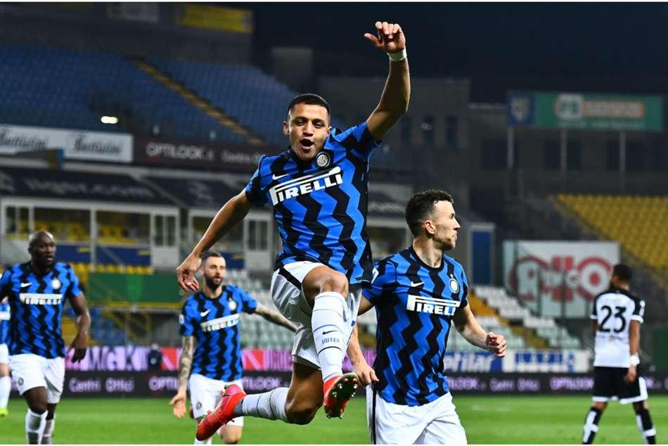 Parma 1-2 Inter: Sanchez double moves Nerazzurri six points clear