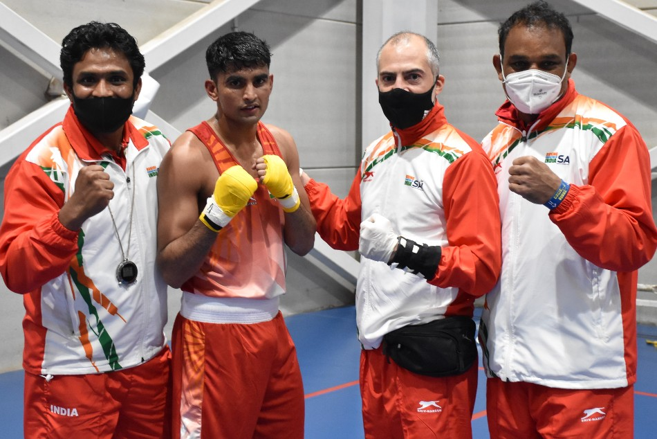 Kaushik, Husamuddin march into quarters at Boxam International Tournament