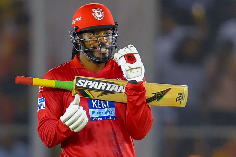 Gayle flaunts 'Moonwalk' after finishing quarantine