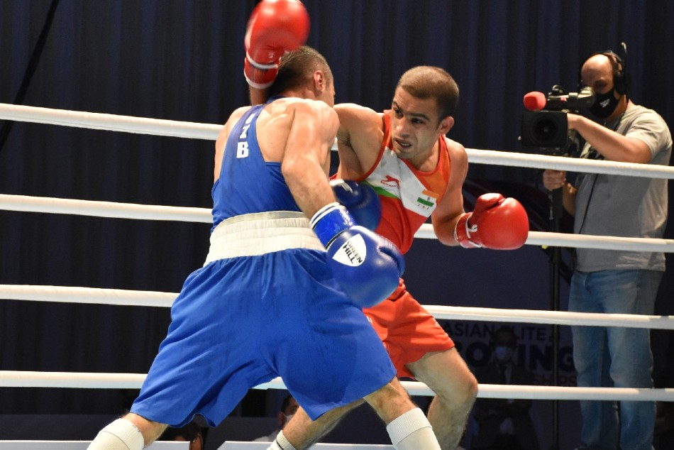 Asian Boxing Championships: Amit Panghal, Shiva Thapa settle for silver; Panghal loses to Olympic champion