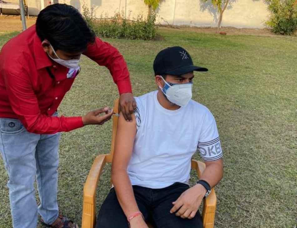 Kuldeep Yadav Vaccination Controversy Kanpur Authorities Launch Probe