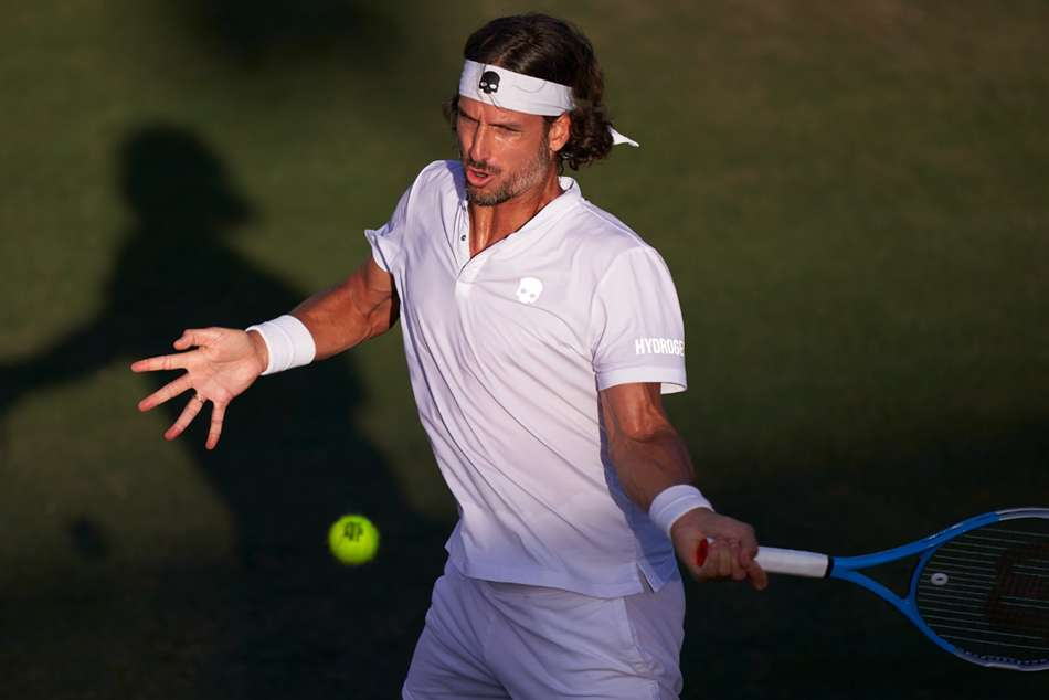 Lopez brings up 500th career win, Dominic Thiem injured in Mallorca
