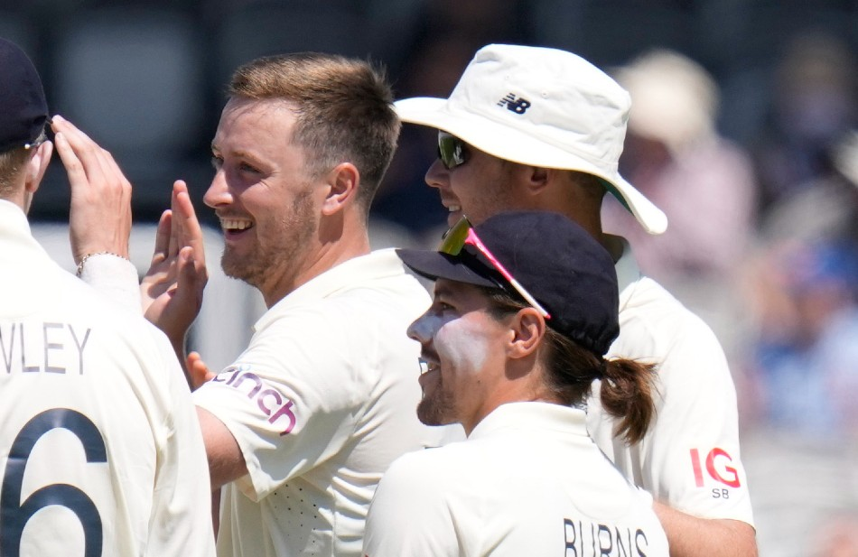 Robinson banned to return to cricket action with Sussex second team