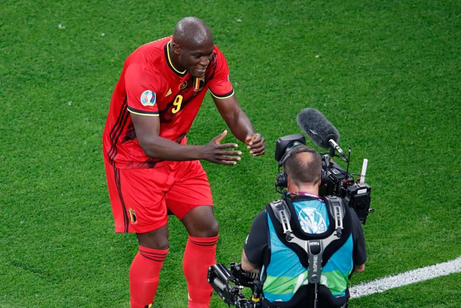 Belgium 3-0 Russia: Lukaku at the double in comfortable Red Devils win