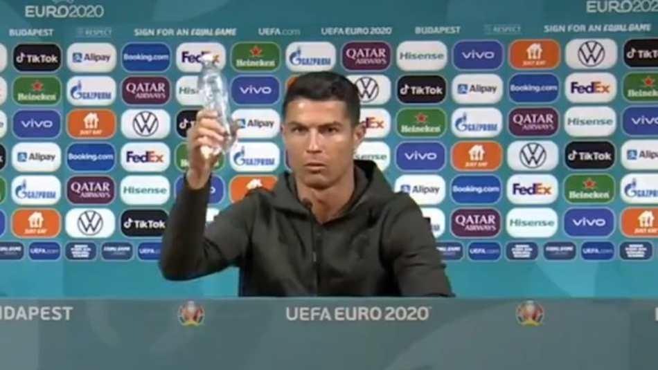 Cristiano Ronaldo Removes Coca Cola Press Meet Soft Drink Giant Suffers Rs 29349 Crore Stock Dip