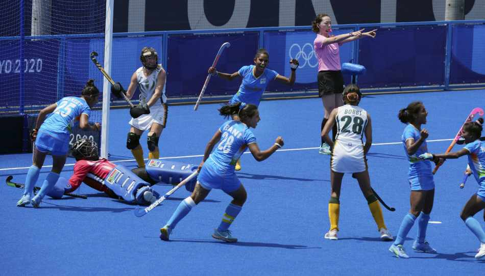 Can India women enter hockey quarterfinals from Pool A? Here's calculations!