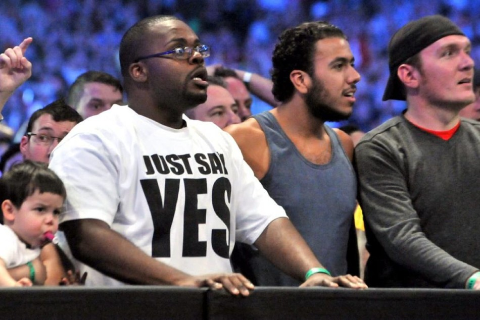 5 iconic moments when WWE fans took center stage