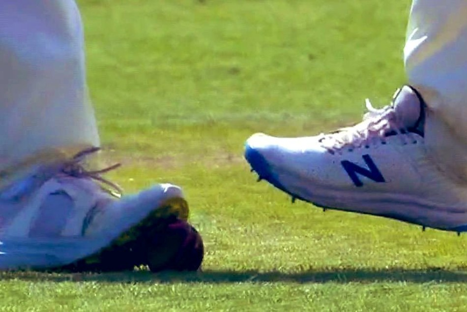 England Ball Tampering: Mark Wood caught on camera stepping on ball