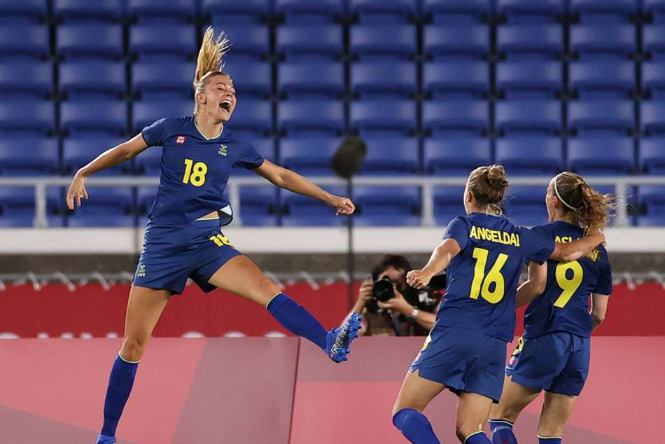 Tokyo Olympics Rolfo Strike Sends Sweden Through To Final With Canada