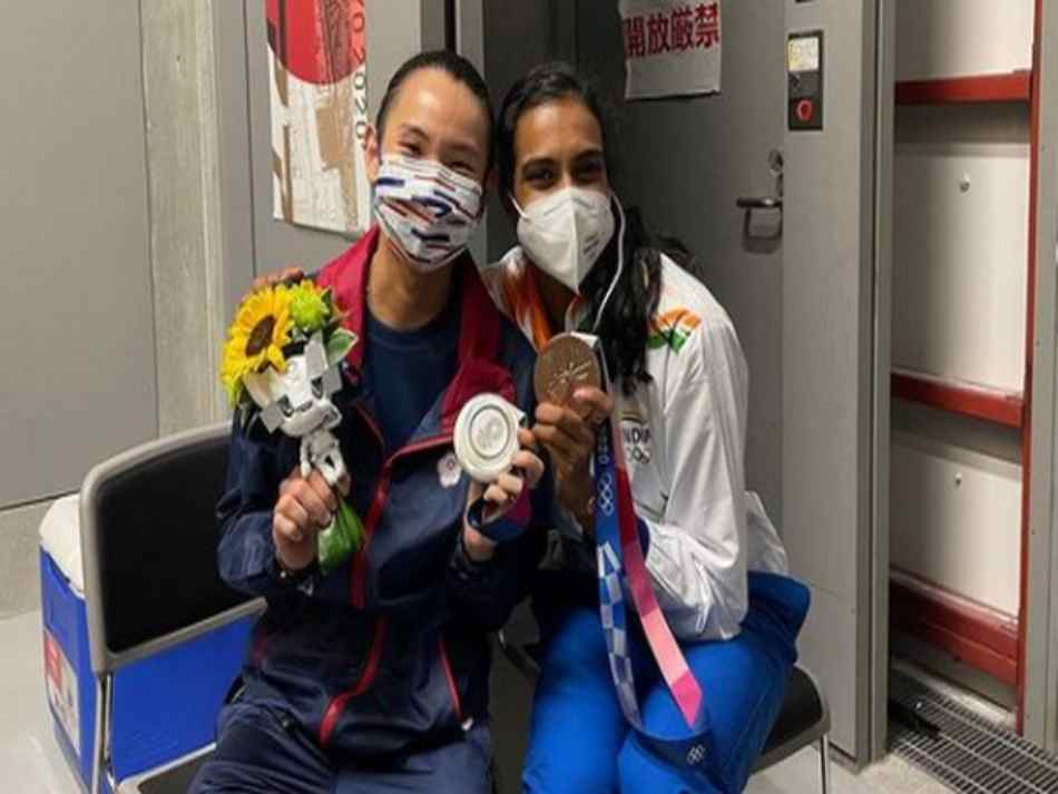 Tokyo Olympics Emotional Tai Tzu Ying Thanks Pv Sindhu For Consoling Her After Final Loss
