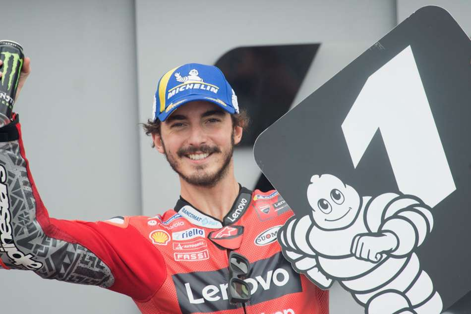 Bagnaia seals Aragon pole with record-breaking lap