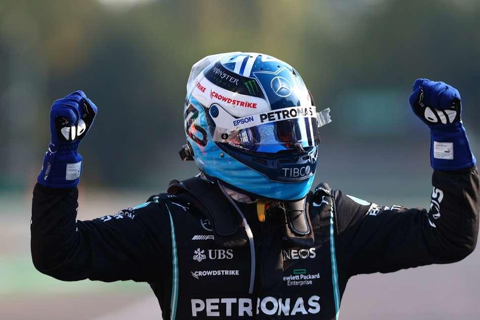 Bottas wins sprint race at Monza as Hamilton pays for slow start