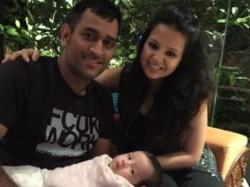 Ms Dhoni Wife Sakshi At Ranchi Passport Office Baby Ziva Bangladesh Team India Pics 1767312 Pg