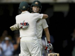Ashes Chris Rogers Suffers Dizzy Spell While Batting Retires Hurt