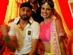Stunning Pics Harbhajan Singh Actress Geeta Basra Look Amazing Mehendi Marriage 1910932 Pg