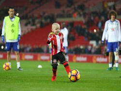 Epl Cancer Stricken Young Sunderland Fan Wins Goal The Month