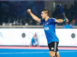 Valiant India Go Down To Argentina