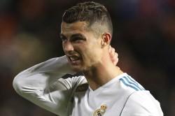 La Liga Real Madrid Miss Chance Close On Barcelona After Draw