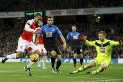 Walcott Reveals Why He Left Arsenal Everton