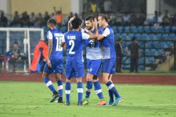 Bengaluru Fc 5 Aizawl Fc 0 Segovia Brace Lights Up Last Home Game