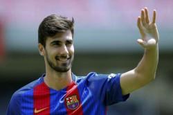 Gomes Eye Barca Exit As Valencia Regain Interest