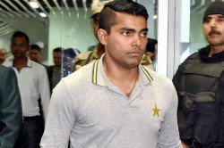 Pcb Serves Notice Umar Akmal Not Reporting Spot Fixing Approach