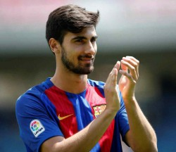 Barcelona Reject West Ham United Bid For Andre Gomes