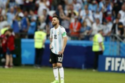 Ex Argentina Defender Talks About Locker Room Fight With Lionel Messi