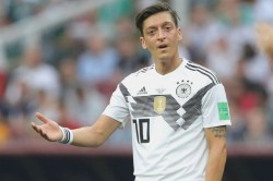 Mesut Ozil Retires From Germany Recep Tayyip Erdogan Backs Arsenal Star