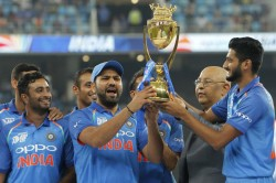 Ms Dhoni Asked Rohit Sharma Let Me Hold Asia Cup Trophy Reveals Khaleel Ahmed