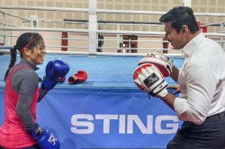 Boxing Mary Kom Trades Punches With Rajyavardhan Rathore Fun Session Watch