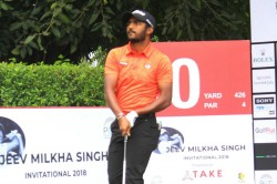 Chikkarangappa Builds Two Stroke Lead With Day S Best 68 Looks End Two Year Title Drought