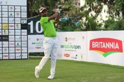 Bengaluru Open Golf Championship Anura Rohana Powers Ahead