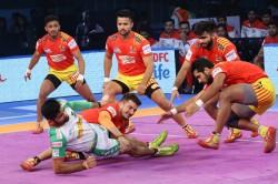 Pkl Gujarat Fortunegiants Beat Patna Pirates 37