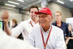 Former F1 Champion Niki Lauda Continues His Recovery Hospita