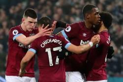 Premier League West Ham Fulham Report Javier Hernandez Handball Issa Diop