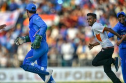 Ms Dhoni Gets Playful With Pitch Invader Makes His Fan Run For Embrace During Nagpur Odi