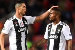 Douglas Costa Ronaldo Juventus Arrival